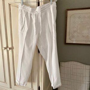 Old Navy White Cotton Capri Pants